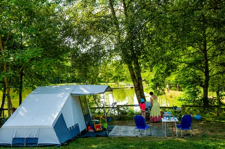 Camping Fougeraie (Nièvre,Morvan,Bourgogne) : emplacements photo 4